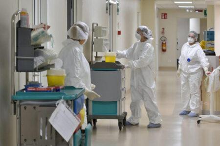 Coronavirus, bollettino del 18 settembre: 10 morti (totale 35.668), 42.457 positivi, 216.457 guariti