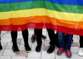 Cacciata di casa a Castelfiorentino perchè lebisca: Toscana Pride, pronto sostengo