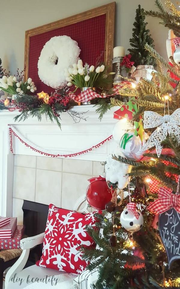 christmas-mantle-festive-8