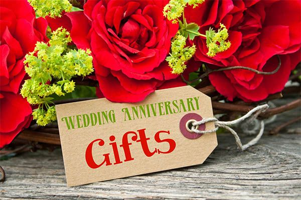 Four Special Keepsake Anniversary Gifts