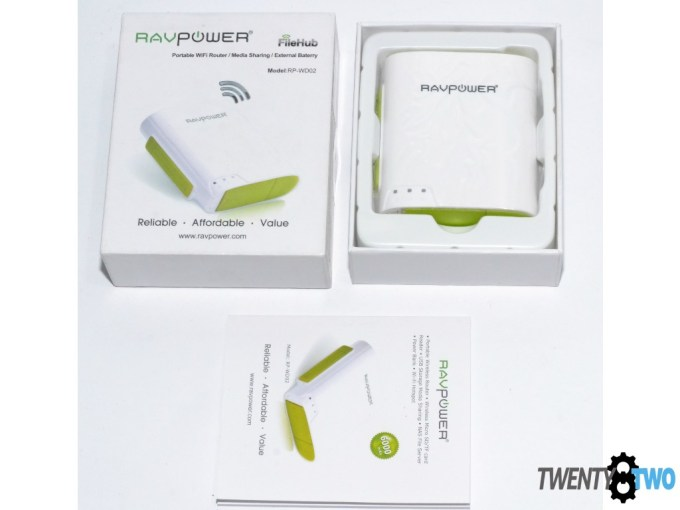twenty8two-ravpower-filehub-power-bank-portable-router-media-streamer-unboxing