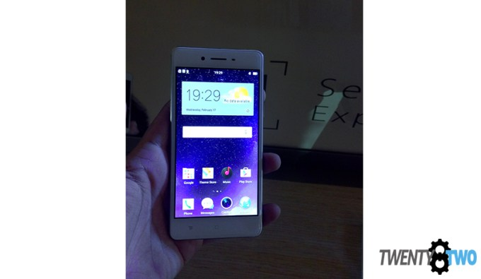 twenty8two-oppo-f1-launch-selfie-expert-phone-4