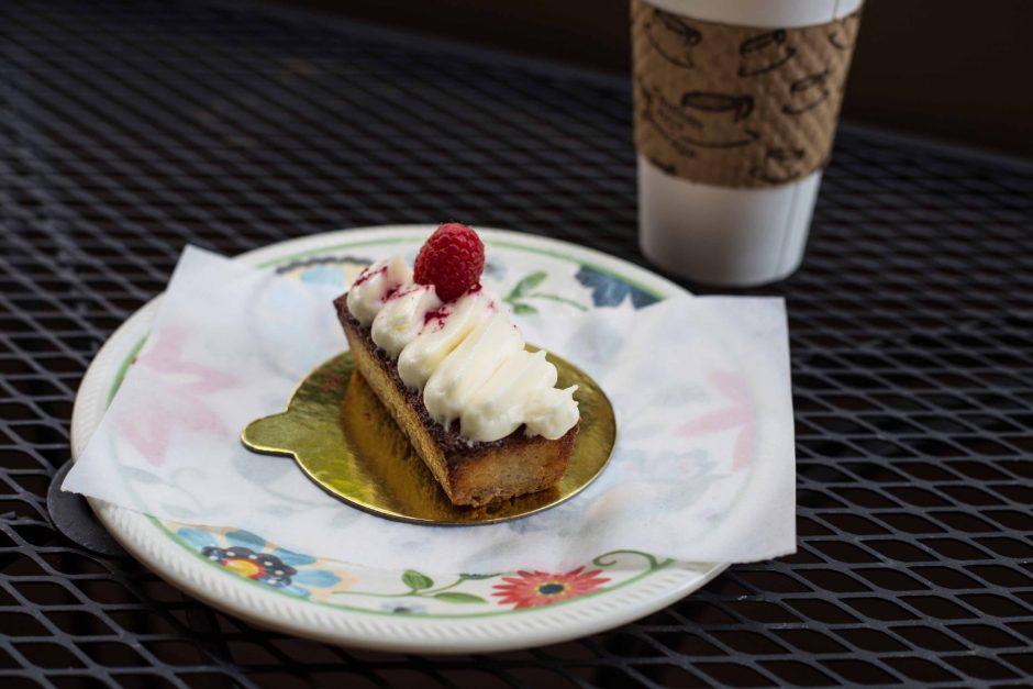 Favor, Bakery Lorraine Raspberry Tart