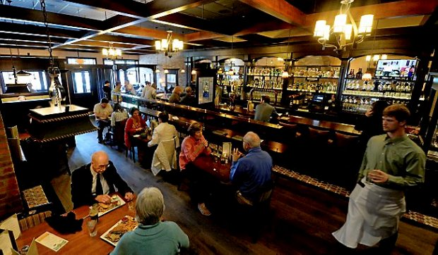 The dining room and bar at Emmett's Public House on Grand Avenue in St. Paul on Friday, May 8, 2015. (Pioneer Press: John Autey)