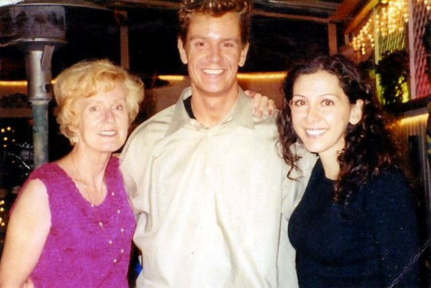 Dan Markingson, center, is shown with his mother, Mary Weiss, left, and friend Tamar Bekmedzjian, when Weiss visited Markingson in Los Angeles in August 2001. (Courtesy of Mary Weiss)