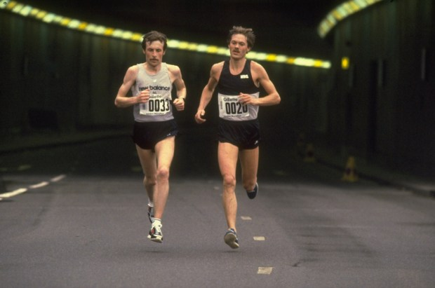 Apr 1981: Dick Beardsley (left) of USA and Inge Simonsen (right) of Norway in action during the London Marathon in London, England. Mandatory Credit: Tony Duffy/Allsport
