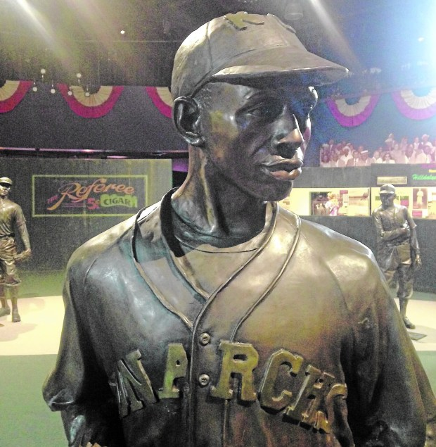 A statue of baseball great Satchel Paige at the Negro Leagues Baseball Museum. (William Gurstelle)