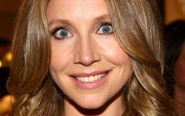 """Actress Sarah Chalke is 40. She's known for her roles in """"Scrubs,"""" """"How I Met Your Mother,"""" and """"Cougar Town,"""" but also for her installment of TV Switcheroo, when she became """"Second Becky"""" in the 1990s-era sitcom """"Roseanne."""" (Getty Images: Jonathan Leibson)"""