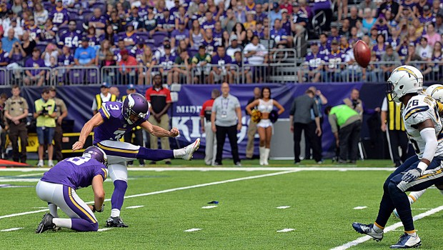 Minnesota Vikings kicker Blair Walsh nails a 23 yard field goal against the San Diego Chargers in the first quarter at U.S. Bank Stadium on Sunday, August 28, 2016.(Pioneer Press: John Autey)
