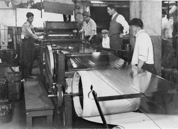 Employees of the Minnesota Mining and Manufacturing Co. manufacture cellulose tape in this 1931 photo. (Minnesota Historical Society)