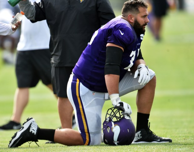 Matt Kalil Out Vikings Shorthanded Against Chargers