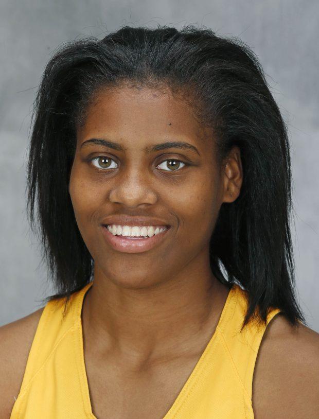 Kenisha Bell, University of Minnesota basketball player, 2016 team photo.