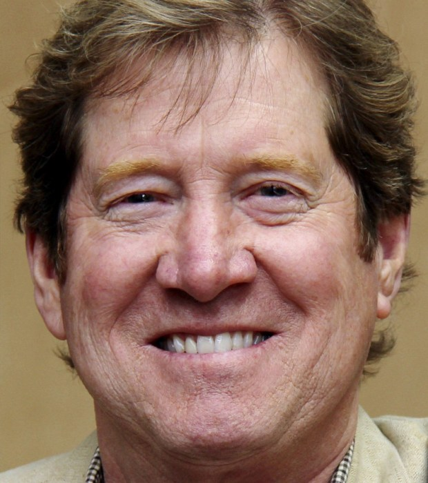 Jason Lewis (file photo)