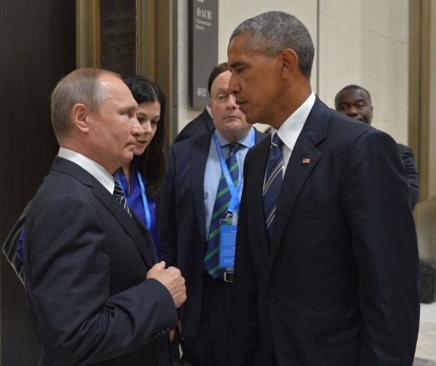 Russian President Vladimir Putin (L) meets with his US counterpart Barack Obama on the sidelines of the G20 Leaders Summit in Hangzhou on September 5, 2016. / AFP / SPUTNIK / ALEXEI DRUZHININ        (Photo credit should read ALEXEI DRUZHININ/AFP/Getty Images)