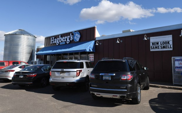 Customer vehicles line up at Hagberg Country Market in Lake Elmo on Friday, April 27, 2018. (John Autey / Pioneer Press)
