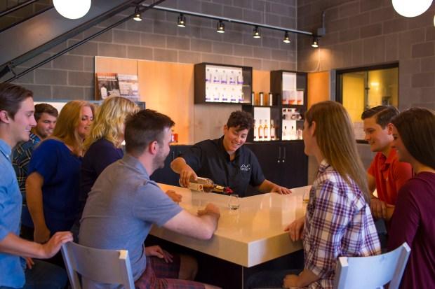 New Riff Tasting Room(John Lair/meetNKY: Northern Kentucky CVB/TNS)