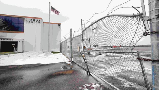 Deluth man crashes vehicle through airport gate