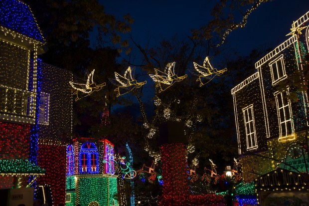 Branson Christmas Lights 2019.Branson Mo Is Home To Country Music And The Nation S