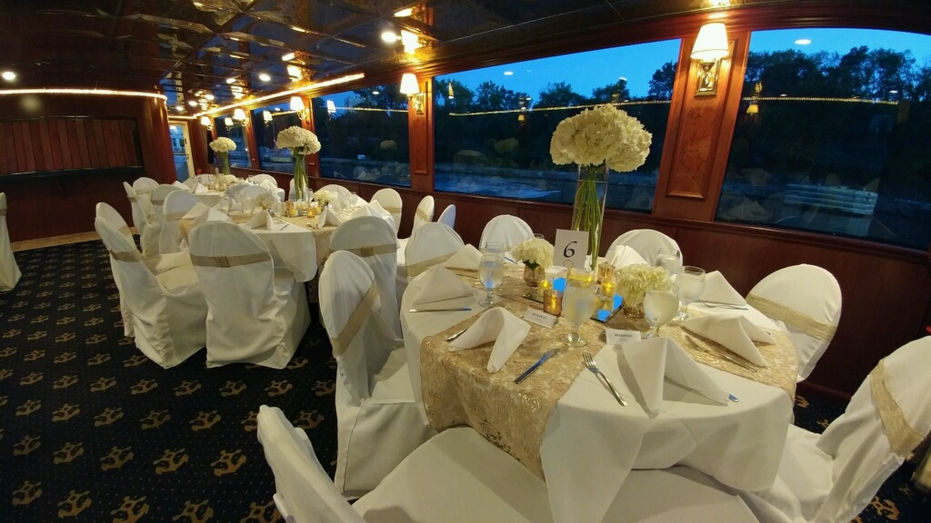 Planning a Wedding Dinner That Your Guests Will Be Thankful For