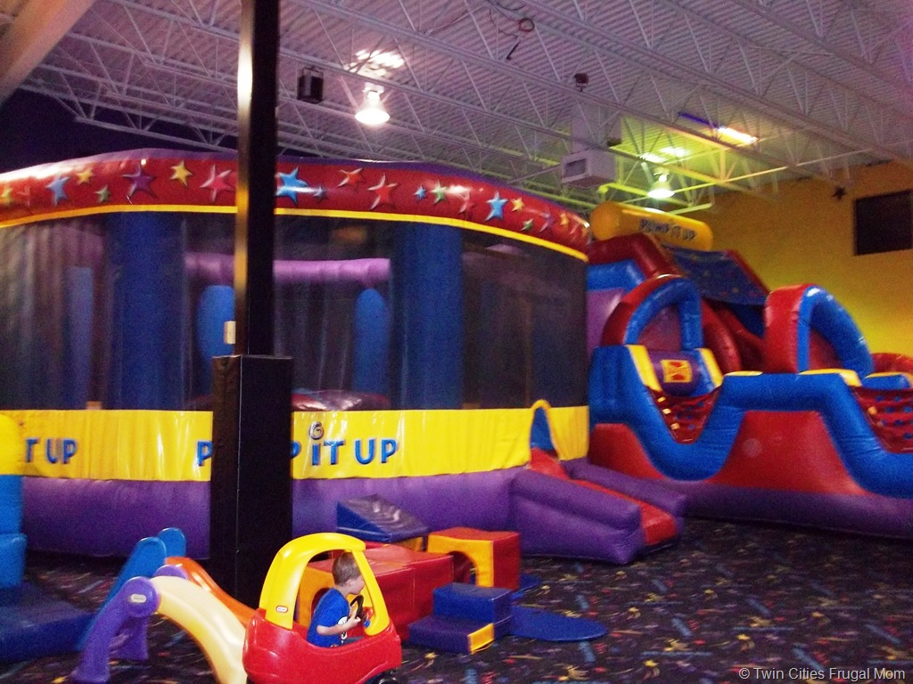 Pump It Up Inflatable Play Places For Kids Twin Cities Frugal Mom