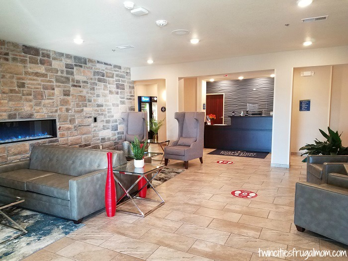 Cobblestone Suites lobby