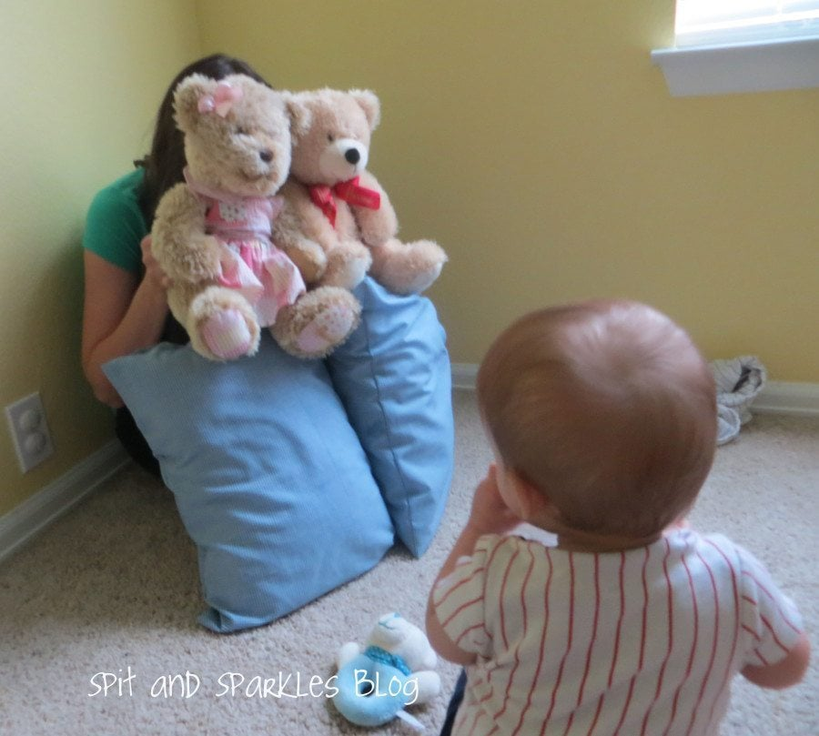 Toys For Twins : It s playtime how to entertain twins throughout the first