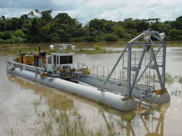 "10"" E-Series dredge in Africa"