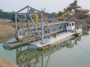 "14"" L-Series dredge with Linear Cutter"