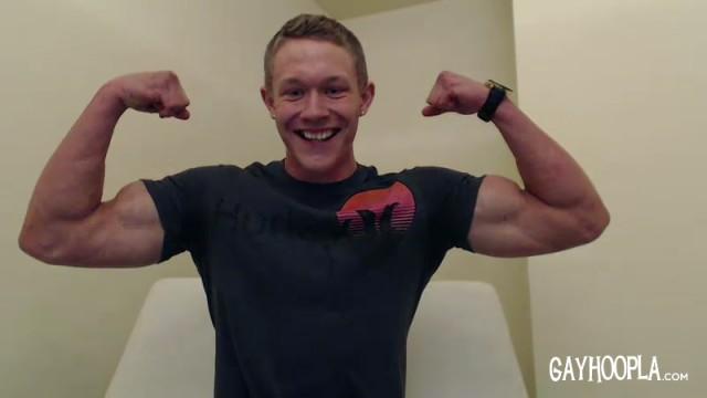 Jason Keys is cute and buff (GayHoopla)