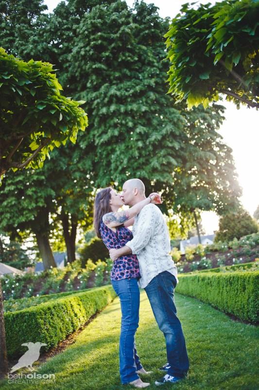 Ashley-Michael-Engagement-Peninsula-Park-Portland-BethOlsonCreative-021