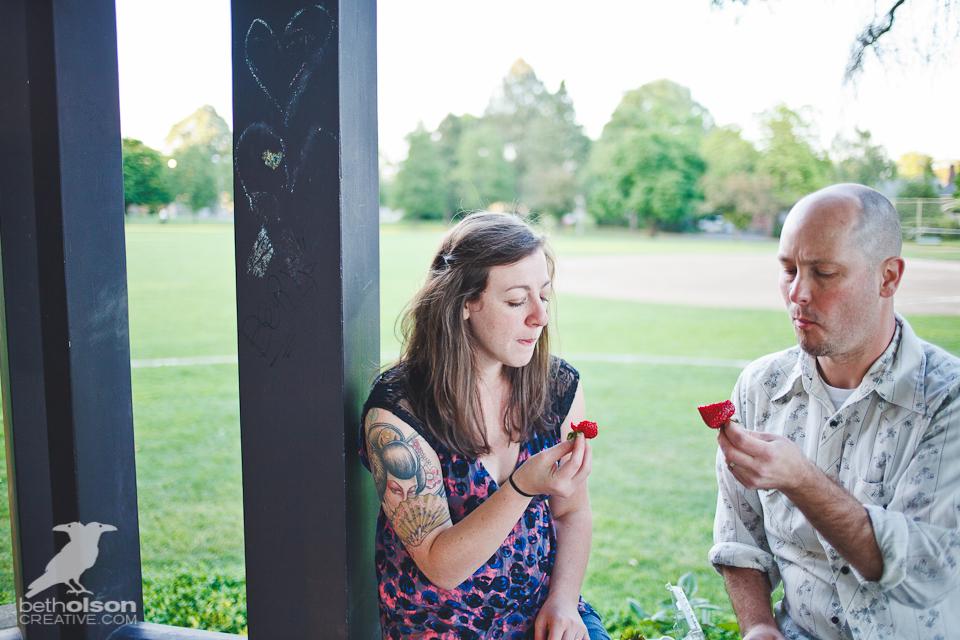 Ashley-Michael-Engagement-Peninsula-Park-Portland-BethOlsonCreative-055
