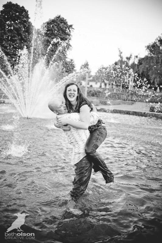 Ashley-Michael-Engagement-Peninsula-Park-Portland-BethOlsonCreative-096