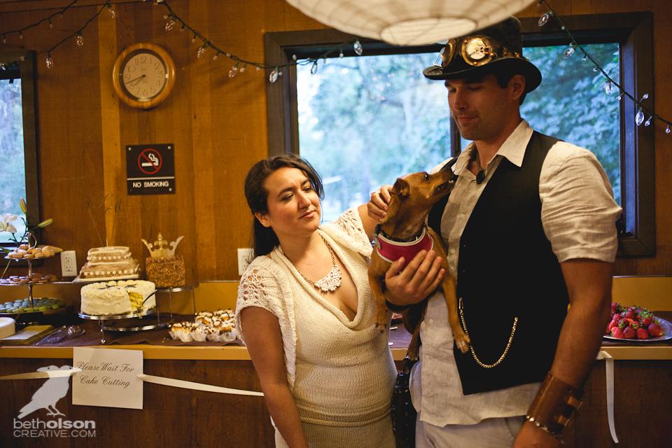 cristina-matt-steampunk-wedding-champoeg-park-betholsoncreative-051