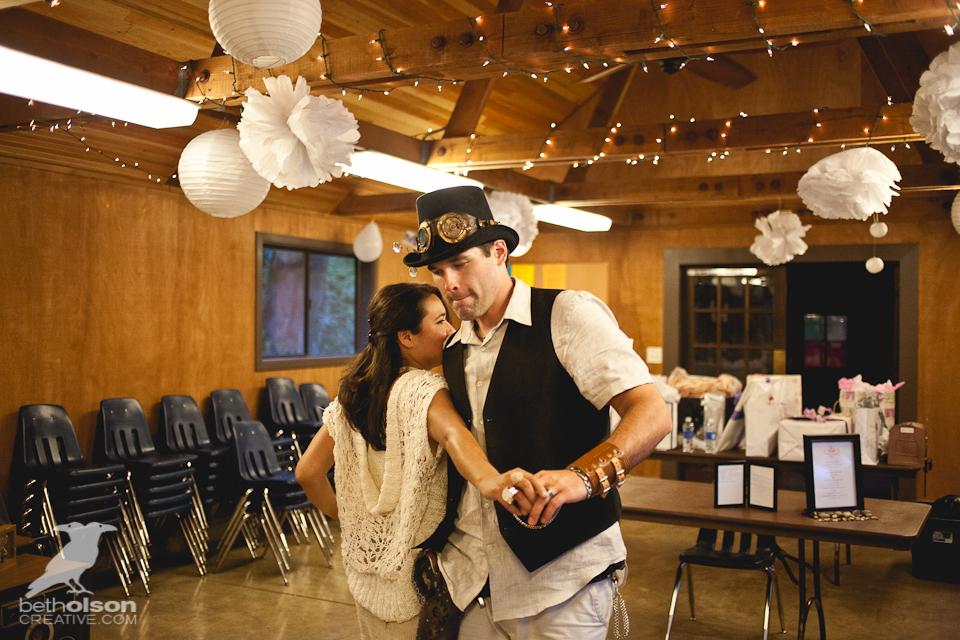 cristina-matt-steampunk-wedding-champoeg-park-betholsoncreative-081