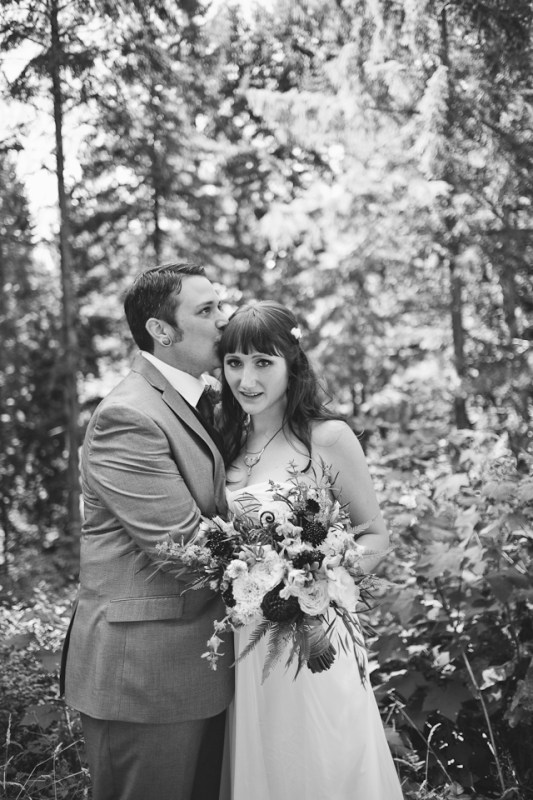 Ashley-Ian-Hoyt-Arboretum-Forest-Wedding-Portland-BethOlsonCreative-068