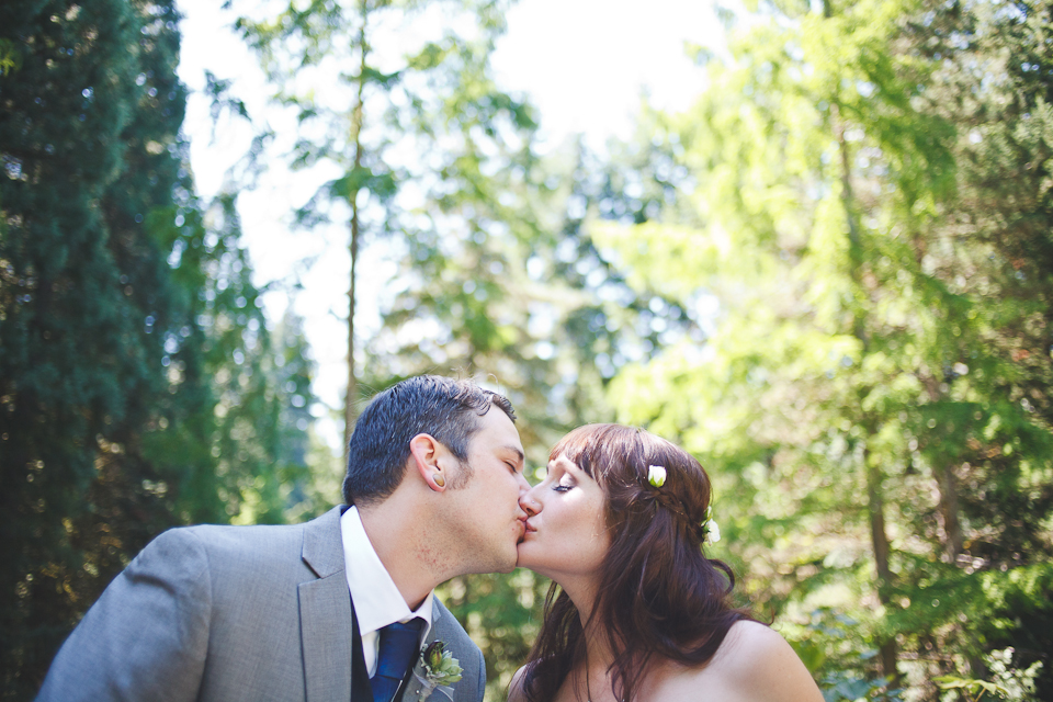 Ashley-Ian-Hoyt-Arboretum-Forest-Wedding-Portland-BethOlsonCreative-071