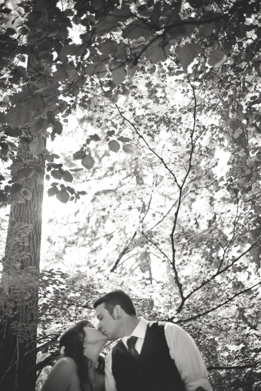 Ashley-Ian-Hoyt-Arboretum-Forest-Wedding-Portland-BethOlsonCreative-096