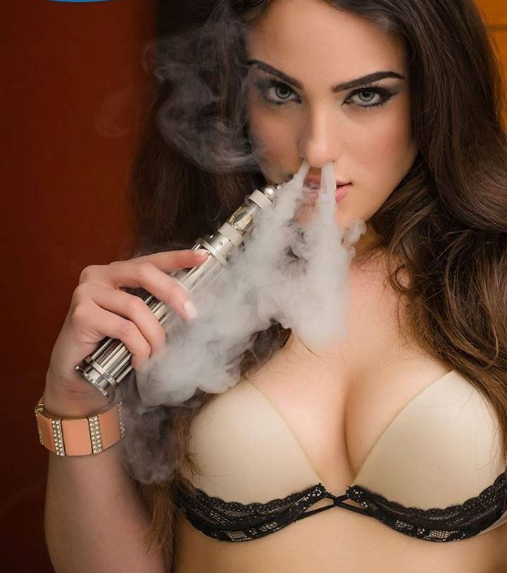 5536df02b6ee4124b238bc5d2e8fe6fd--sexy-smoking-women-smoking[1]