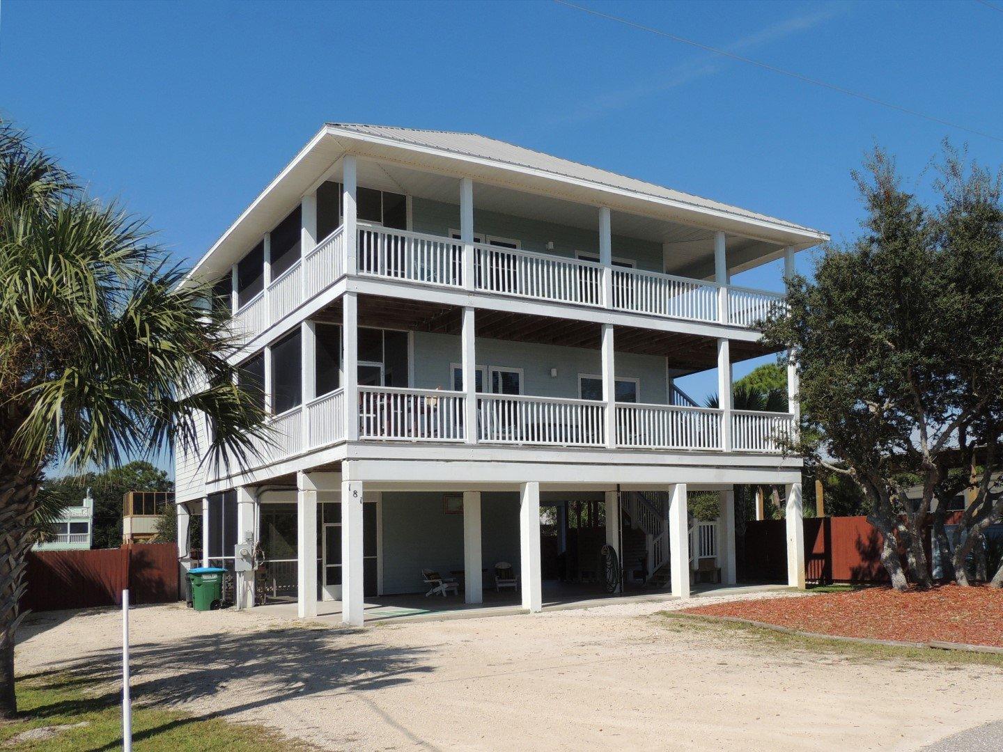 Beach Front Compound -Pool - Tons of Nooks and Crannies-Sleeps 14