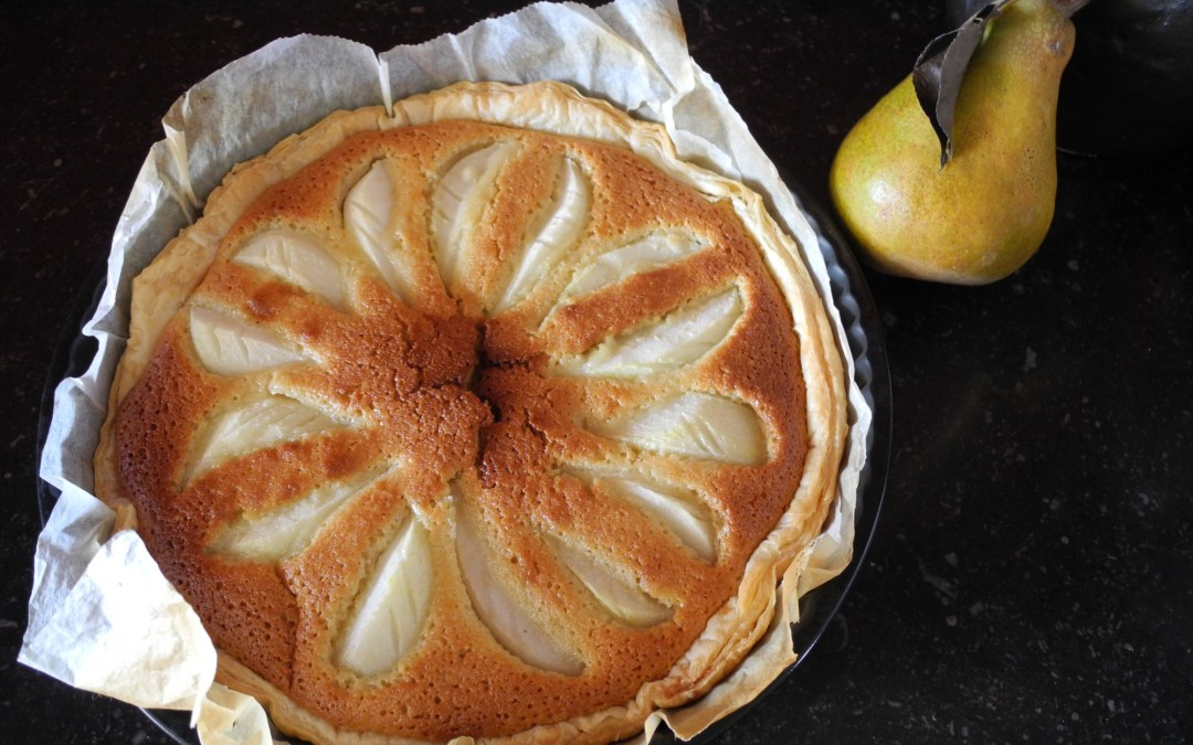 Puff pastry pie with pear and almond