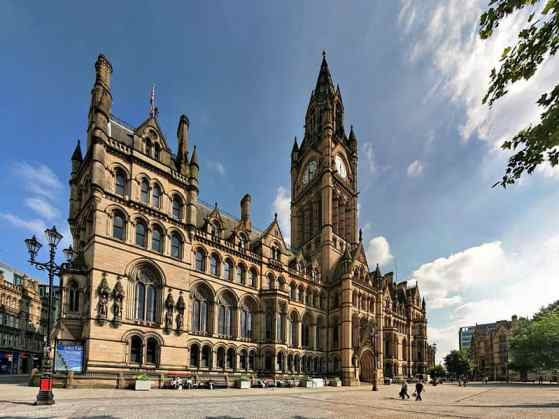 799px-Manchester_town_hall
