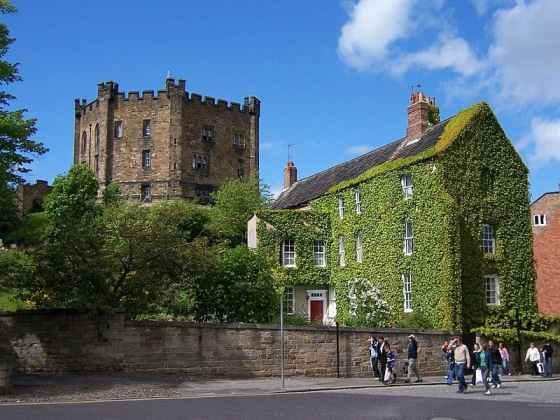 800px-Durham_Castle_Bergfried