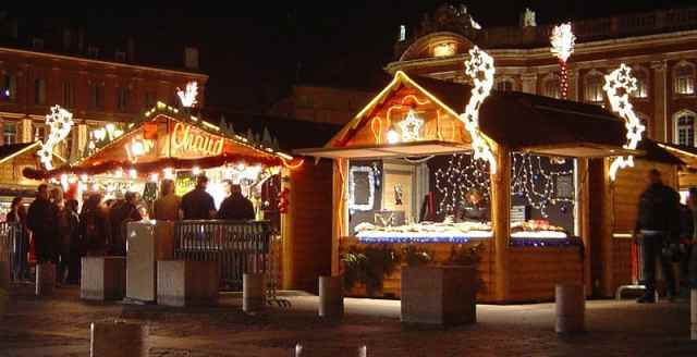 source: http://en.wikipedia.org/wiki/File:Toulouse_Christmas_market_DSC02662.jpg