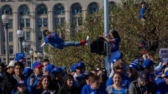ct-cubs-world-series-parade-photos-026