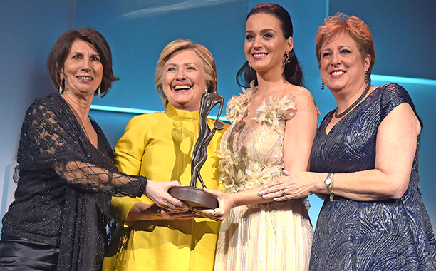 Hillary Clinton Surprises Katy Perry At UNICEF Awards Ceremony And It Was Adorable