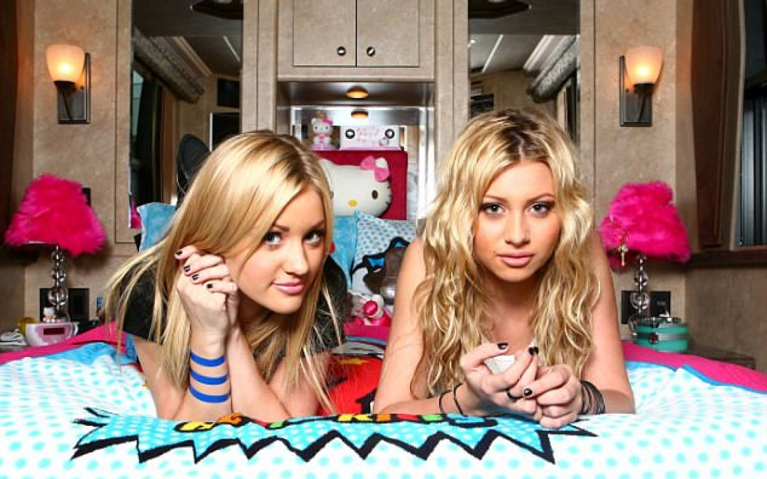 Aly & AJ Made New Music and Childhood Me Couldn't Be Happier