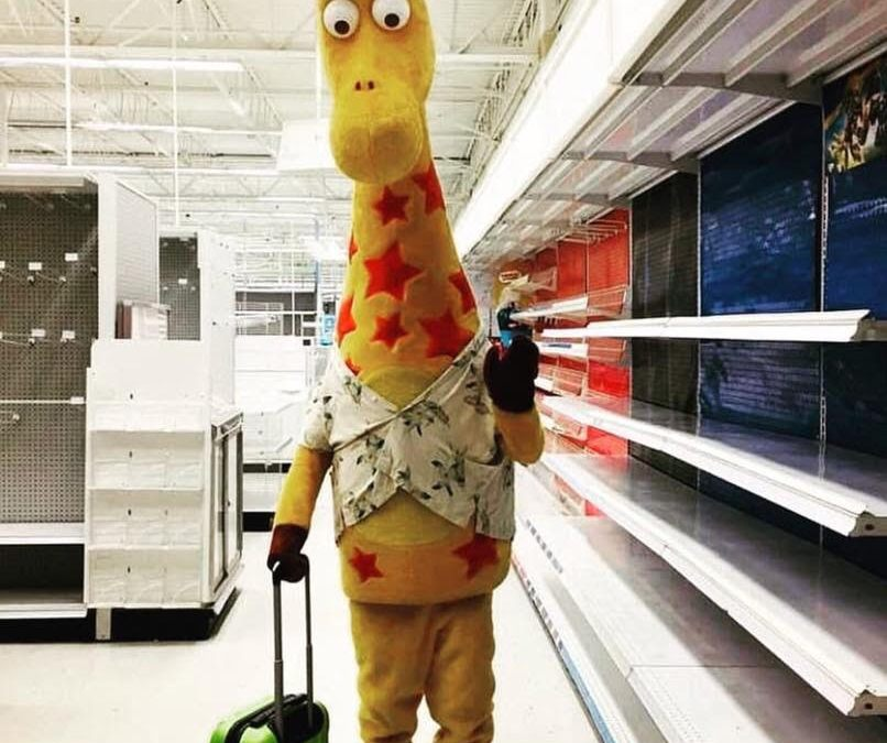This Photo of Geoffrey the Giraffe is the Saddest Thing the Internet Will See All Week