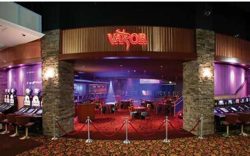 I Love Vapor Nightclub and I Don't Care Who Knows it
