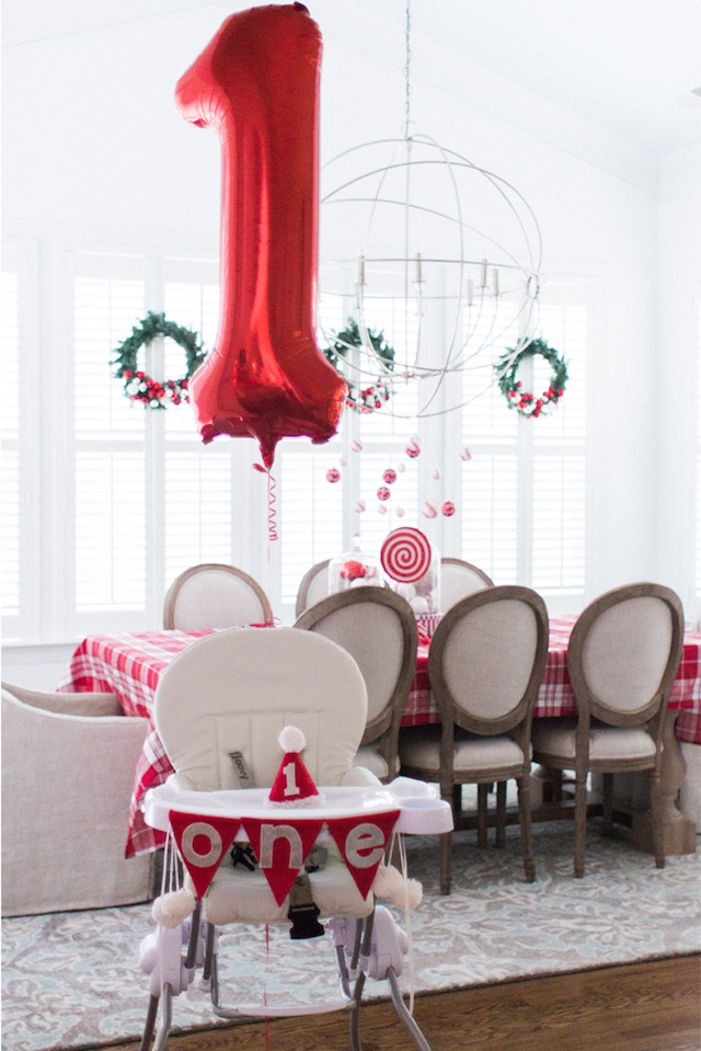 Lindsey-Regan-Thorne_Christmas-1st-Birthday-Party_chair