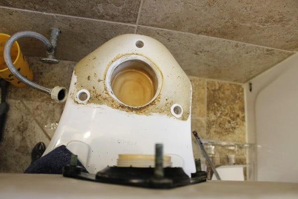 Install A Toilet Repair Kit
